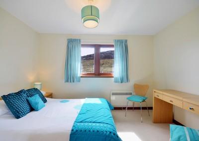 b-bedroom2